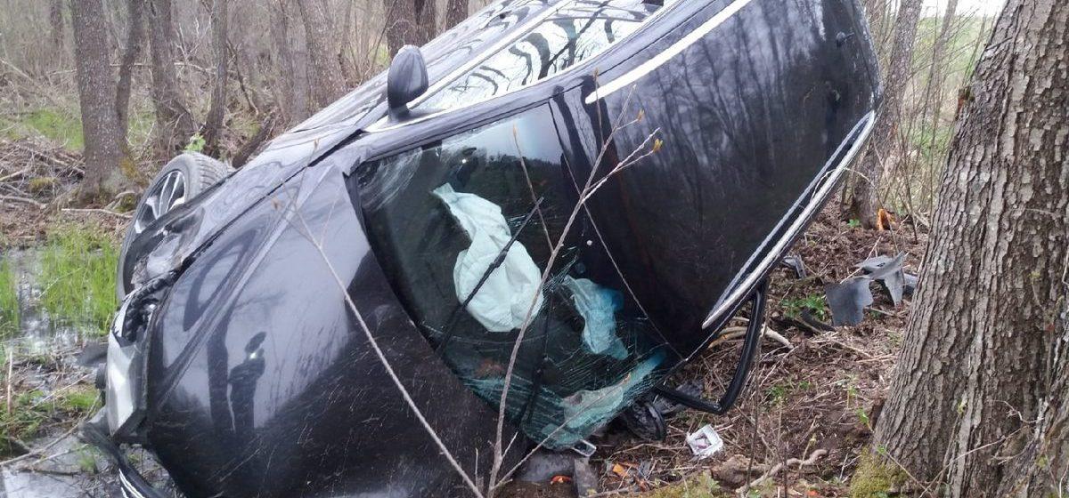 Легковушка вылетела в кювет и перевернулась в Браславском районе – пострадали водитель и 5-летний ребенок