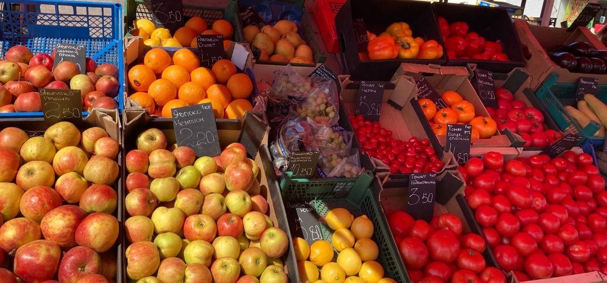 Что почем. На сколько за неделю подорожали огурцы и виноград и подешевели баклажаны и лимоны на барановичском рынке