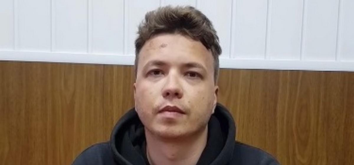 Романа Протасевича и его девушку перевели под домашний арест