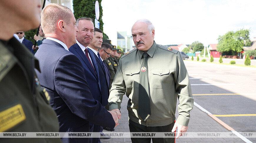 Лукашенко: Только всенародная оборона способна дать отпор деструктивному воздействию Запада