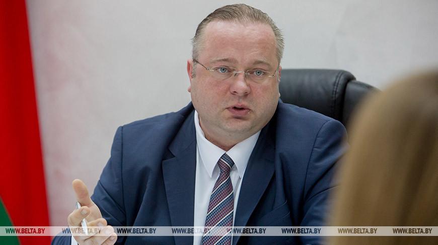 Глава Комитета госконтроля посетил «Бархим» и «Атлант» Барановичского станкостроительного завода