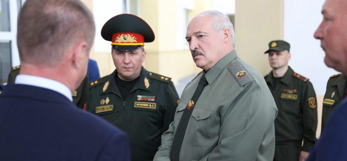 Лукашенко: Председателям райисполкомов и облисполкомов надо научиться воевать