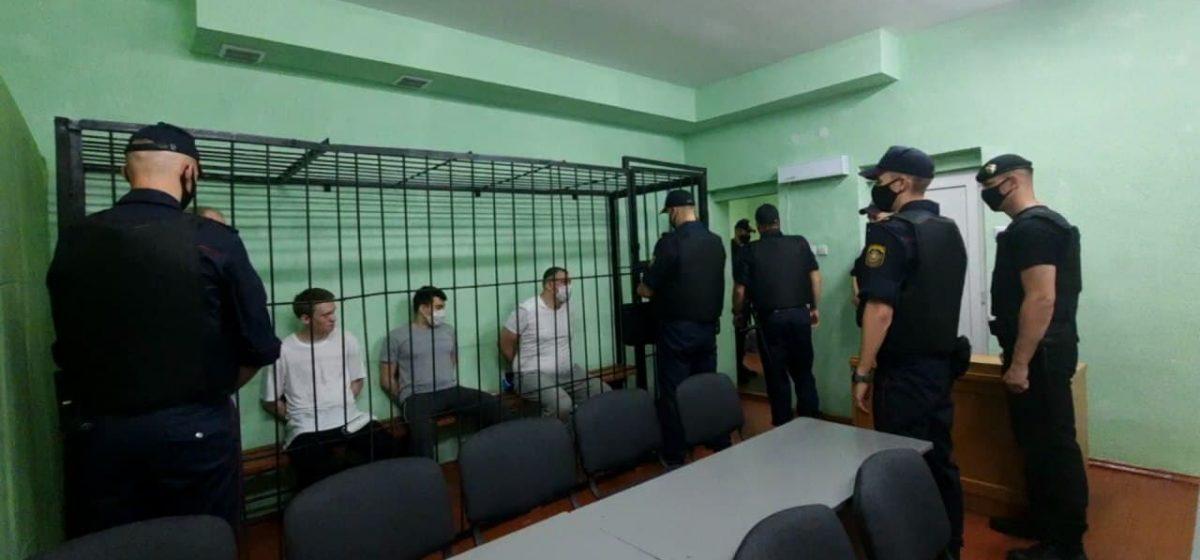 В Гомеле начался суд над Тихановским и Статкевичем. Фото/видео