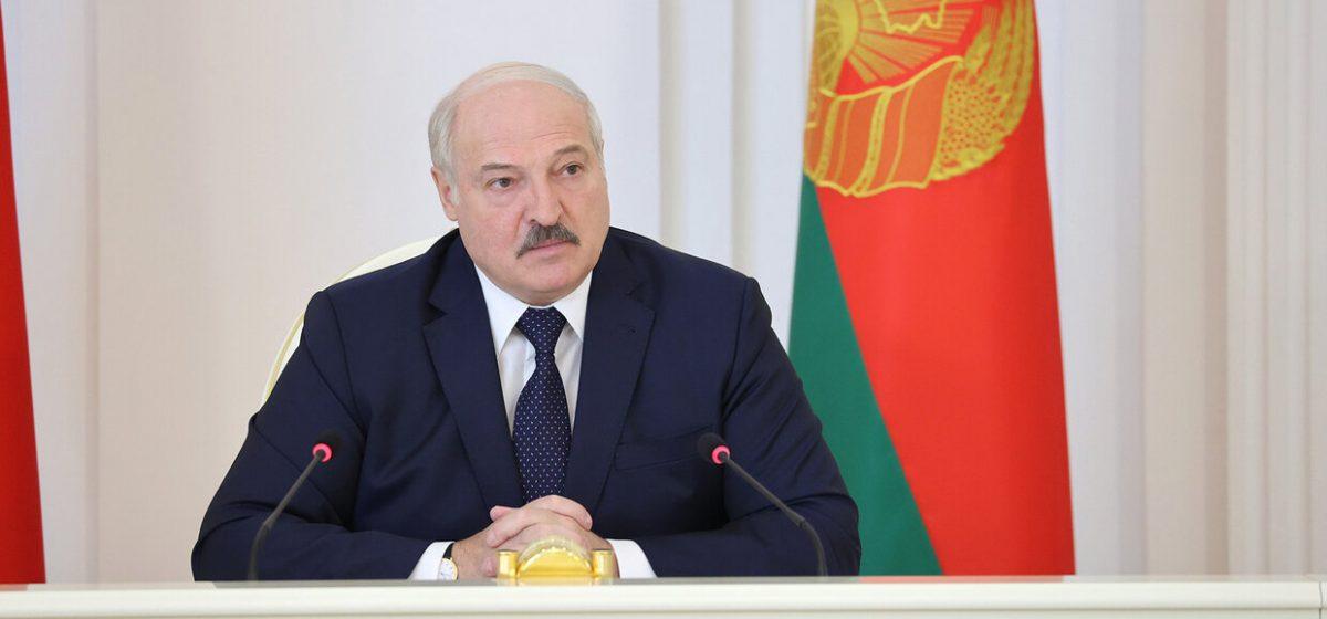 Лукашенко: Путин обещал, что с поставками нефти проблем никаких не будет