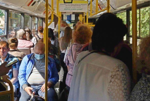 Сколько нарушителей масочного режима высадили из автобусов и такси в Барановичах