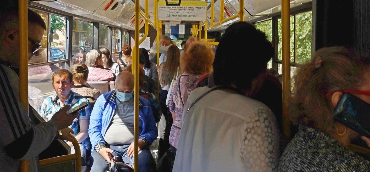 Каждый четвертый пассажир общественного транспорта может быть заражен COVID-19