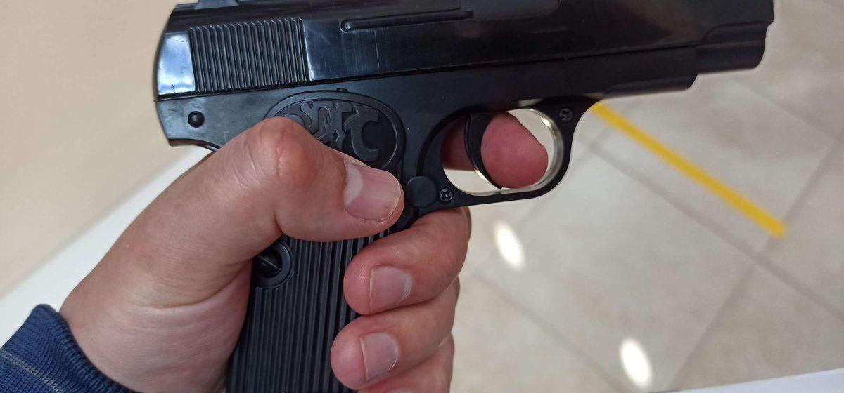Лукашенко о производстве оружия: «Не дай Бог, какой-то конфликт, война, каждая семья, территориальные органы должны быть вооружены»
