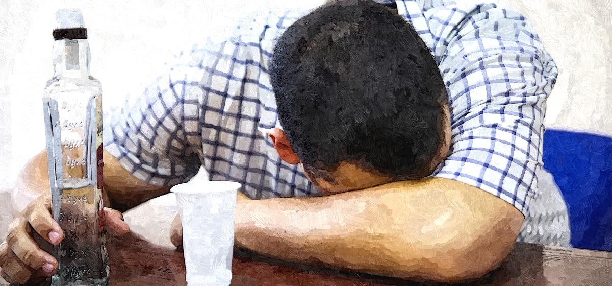Как помочь организму справиться с алкогольным отравлением, рассказал нарколог