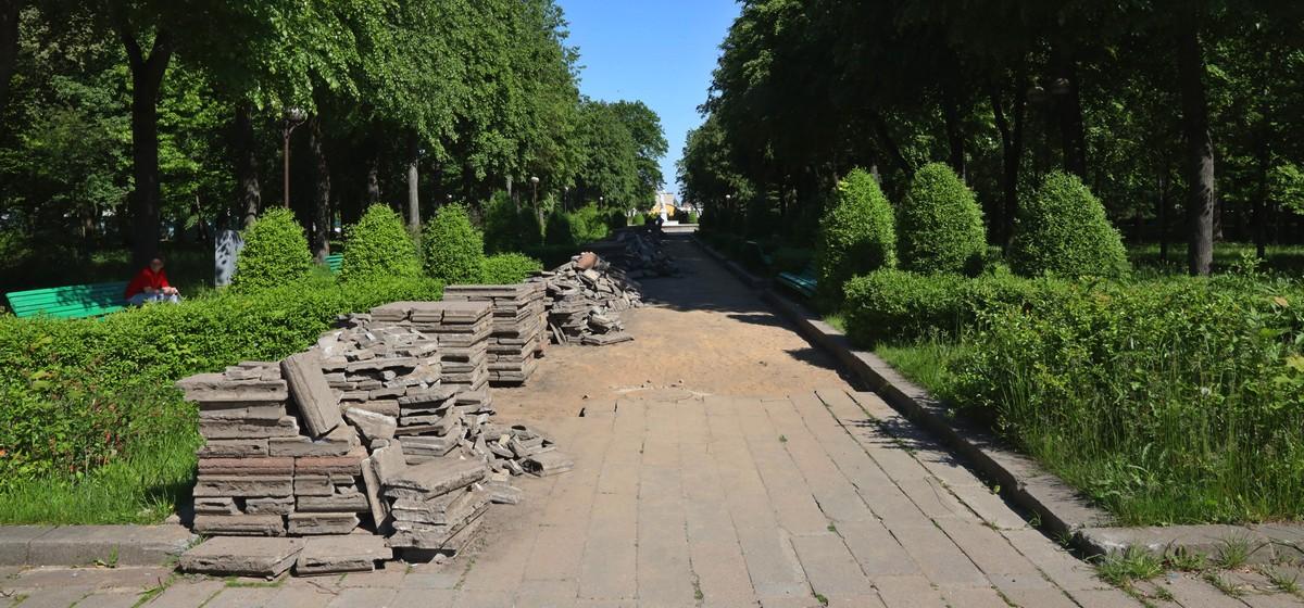 Стало известно, когда закончится реконструкция молодого парка в Барановичах