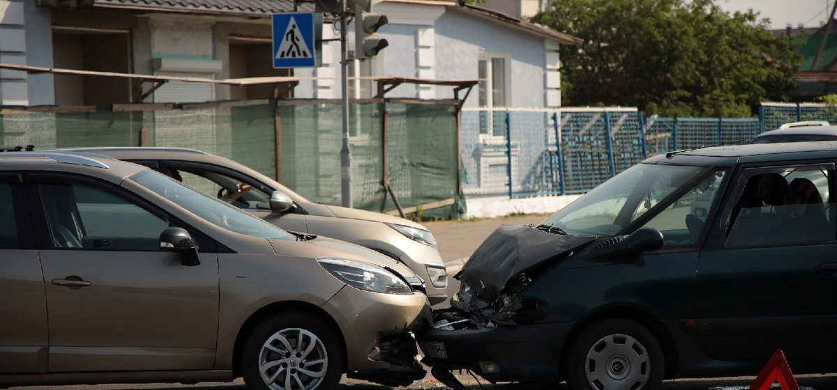 Два Renault Espace не разъехались в Барановичах