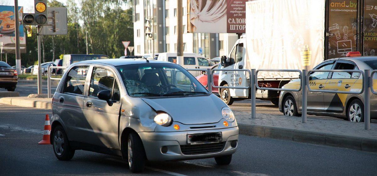 На пешеходном переходе Daewoo Matiz сбил женщину в Барановичах