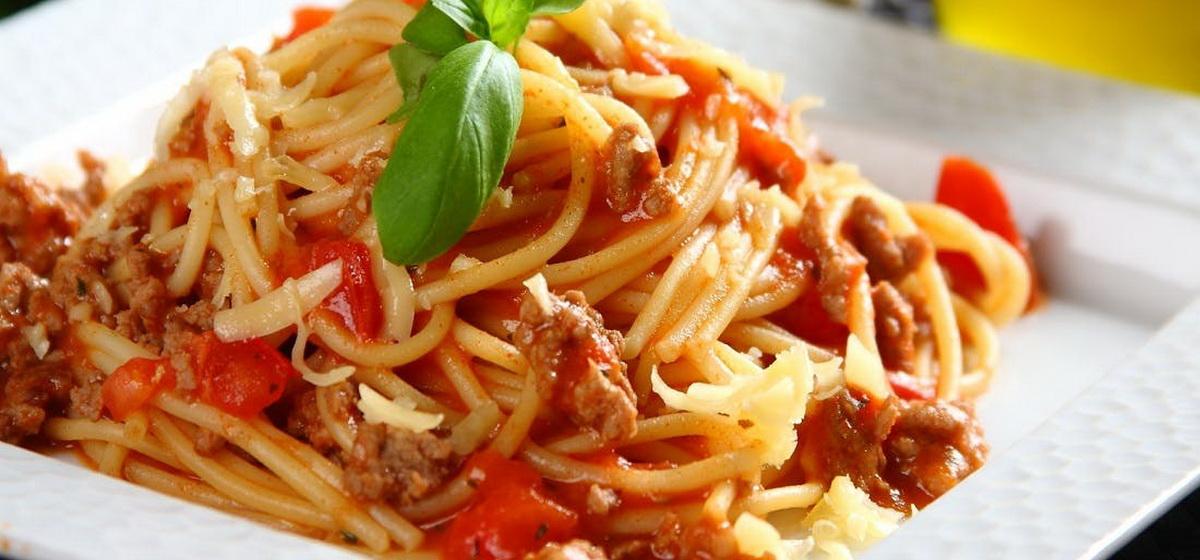 Вкусно и просто. Спагетти в мясном соусе в греческом стиле