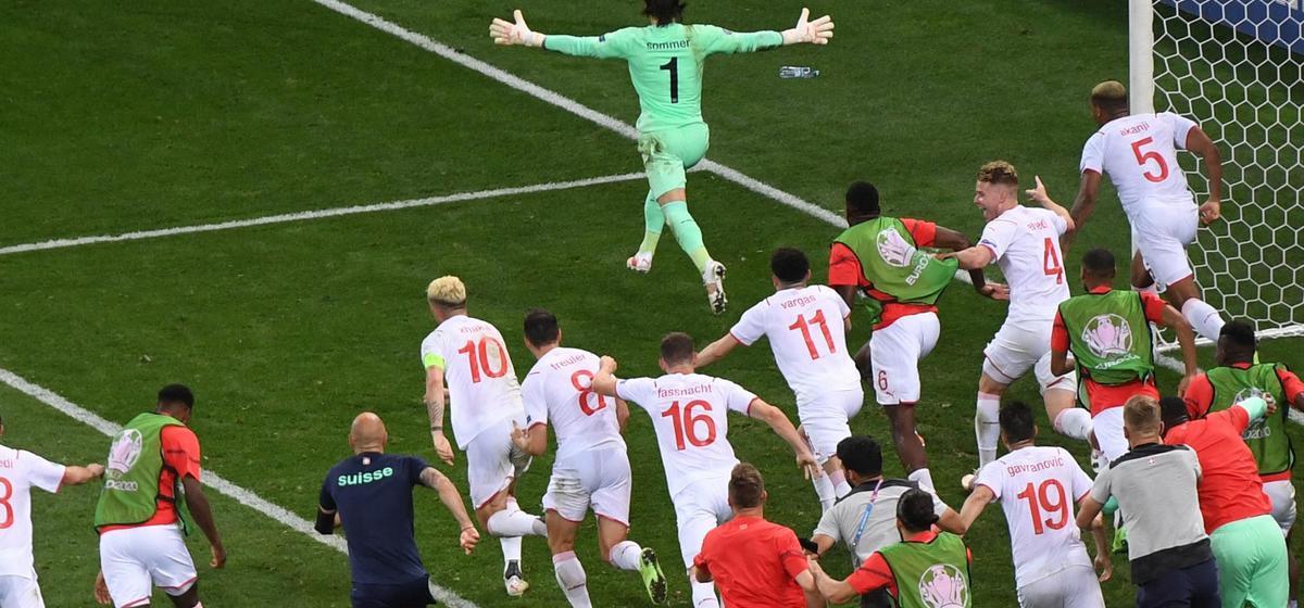 Очередная громкая сенсация и большое количество забитых мячей. Итоги игрового дня Евро-2020