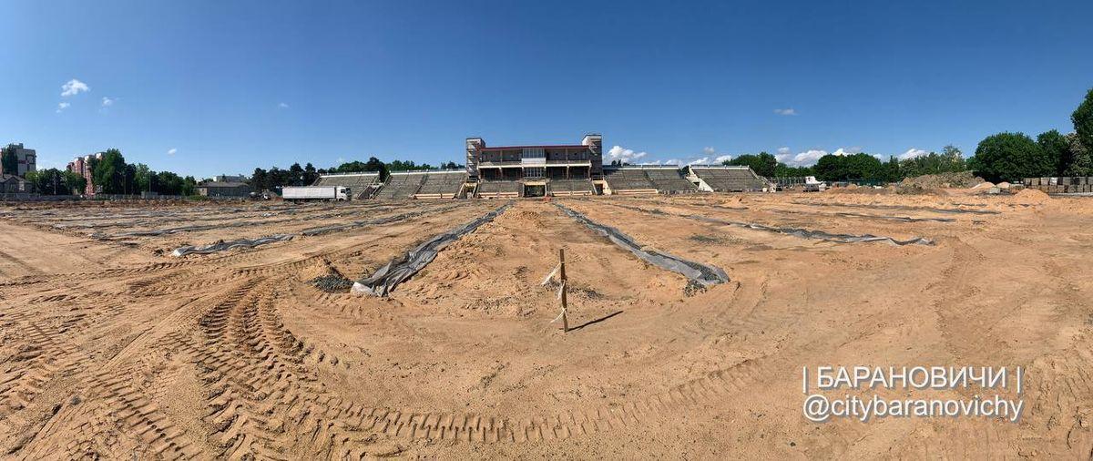 Как проходит реконструкция стадиона «Локомотив» в Барановичах. Фотофакт