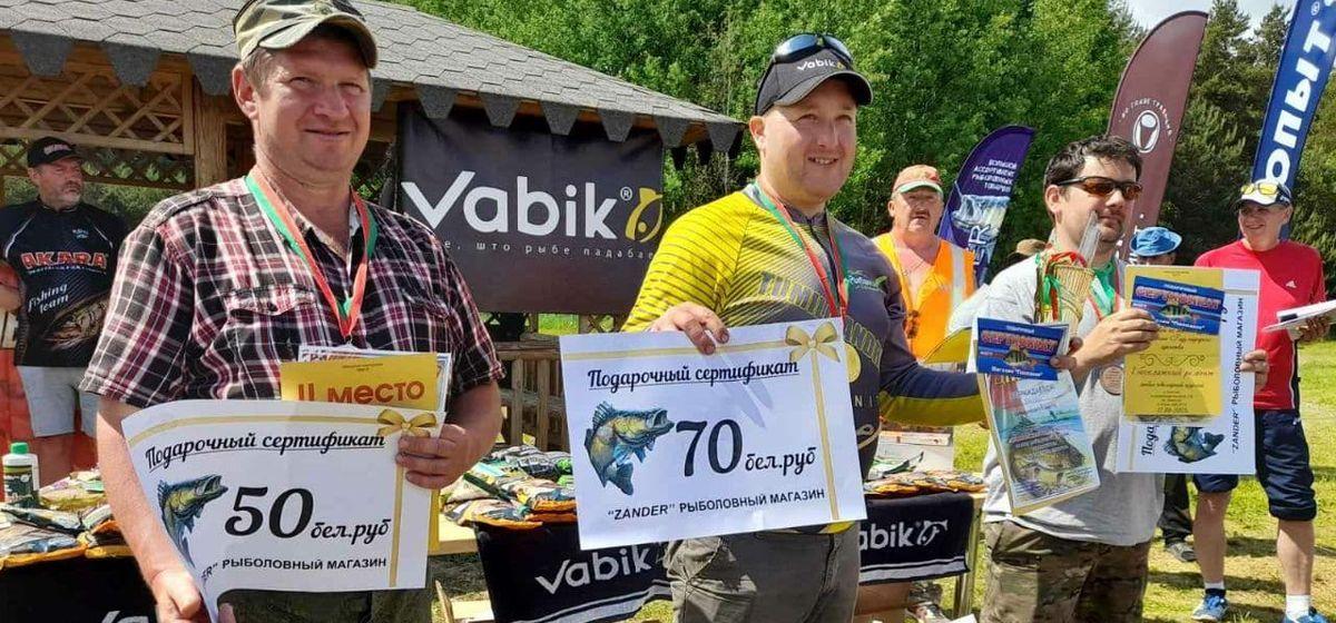 Первое место в соревновании по спортивной рыбалке занял житель Барановичей