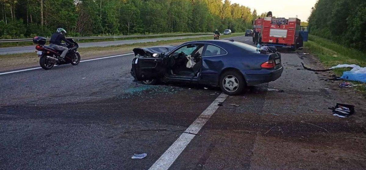 Три человека погибли в лобовом столкновении на трассе М1