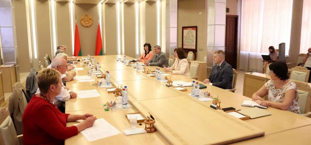 Кочанова: 1 августа мы должны проект Конституции внести на рассмотрение Лукашенко