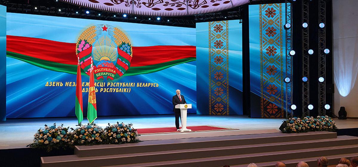 «Пытались подорвать узел связи ВМФ России в Вилейке». Лукашенко заявил о 2500 членах террористических ячеек «отрядов самообороны»