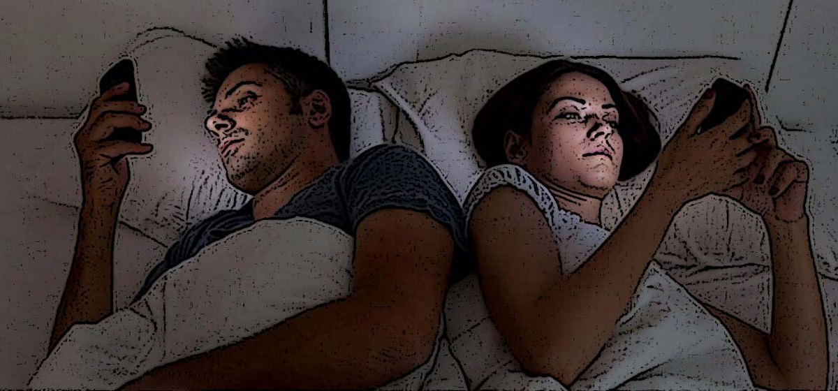 «Вместо секса смотрим телевизор и «залипаем» в соцсетях». Как вернуть страсть после свадьбы