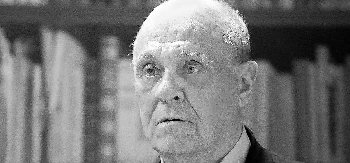 От коронавируса умер известный российский режиссер Меньшов