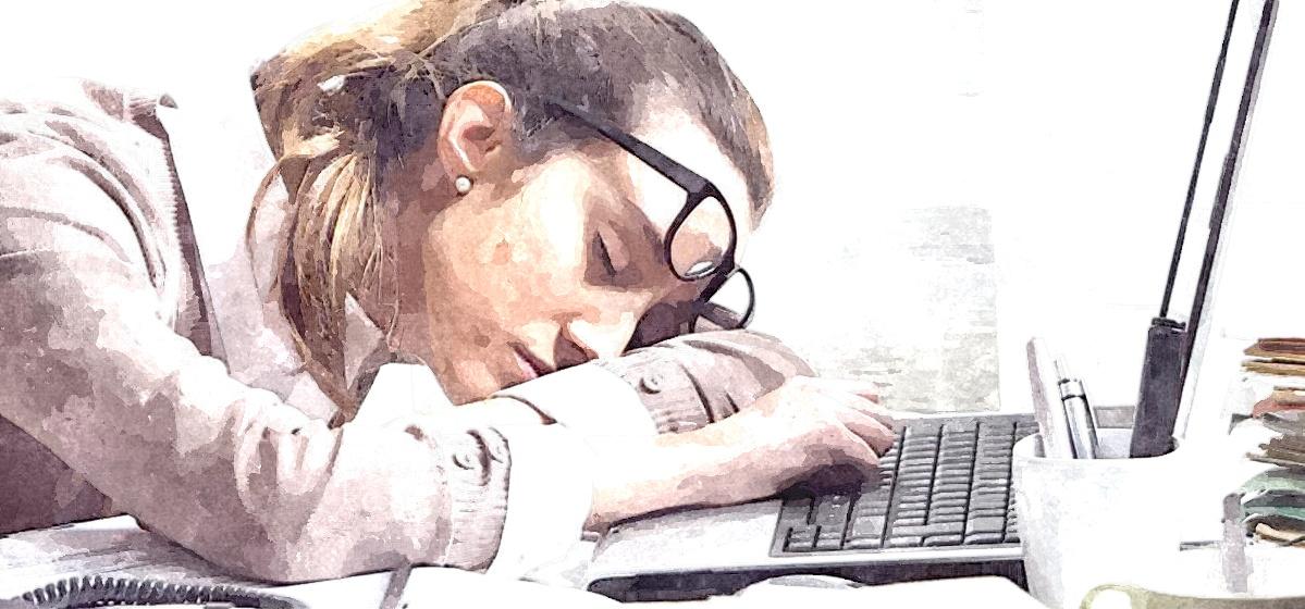 Какие опасные причины могут вызывать сонливость в дневное время, рассказал врач