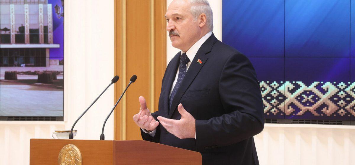 Лукашенко вернул проект поправок в Конституцию на доработку