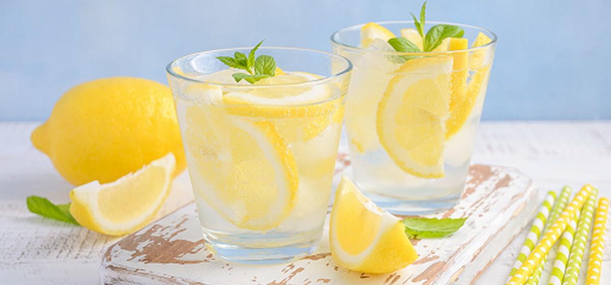 Об удивительном эффекте воды с лимоном рассказала эндокринолог