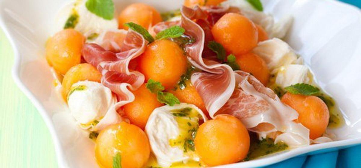 Вкусно и просто. Летний итальянский салат сдыней