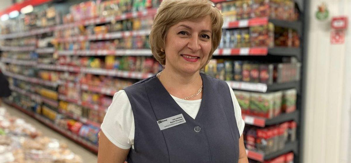 «Продавец – главный человек на селе». Заведующая магазином в Барановичском районе рассказала о своей работе
