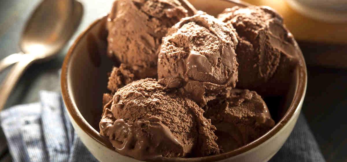 Вкусно и просто. Шоколадное мороженое «Пальчики оближешь»