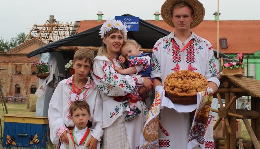 Какое место заняла семья из Барановичского района в финале «Властелина села»