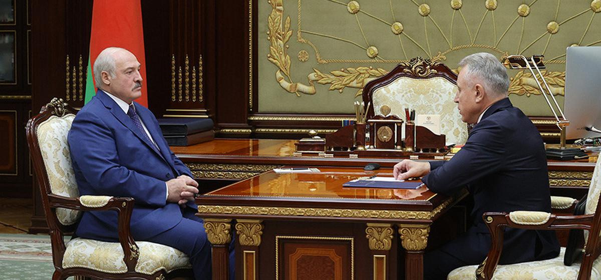 Лукашенко предложил ликвидировать частные предприятия, где не создадут «первички» профсоюзов