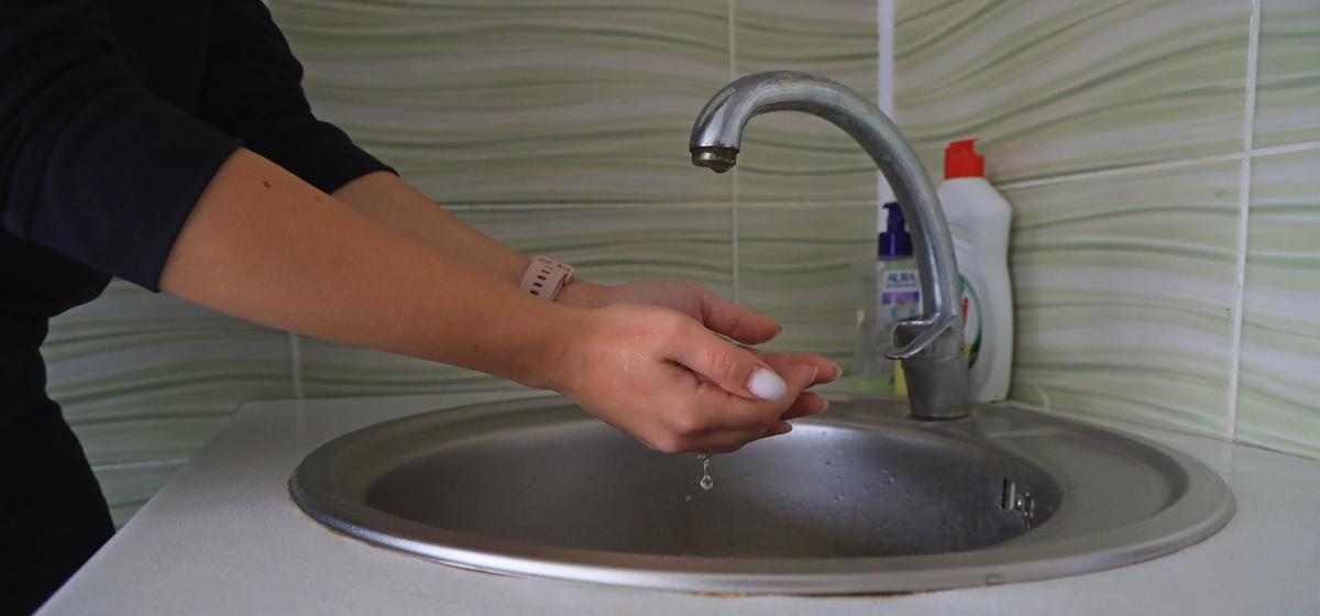 В холод – без воды и отопления. Как отсутствие горячего водоснабжения сказывается на жителях Барановичей