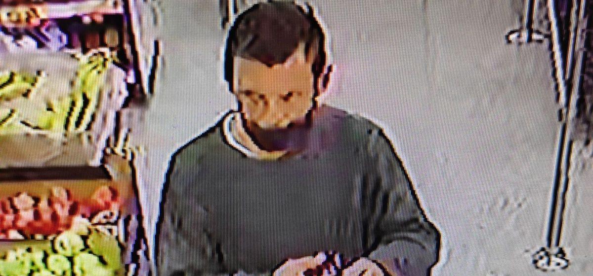Барановичская милиция разыскивает подозреваемого в краже из магазина. Видео
