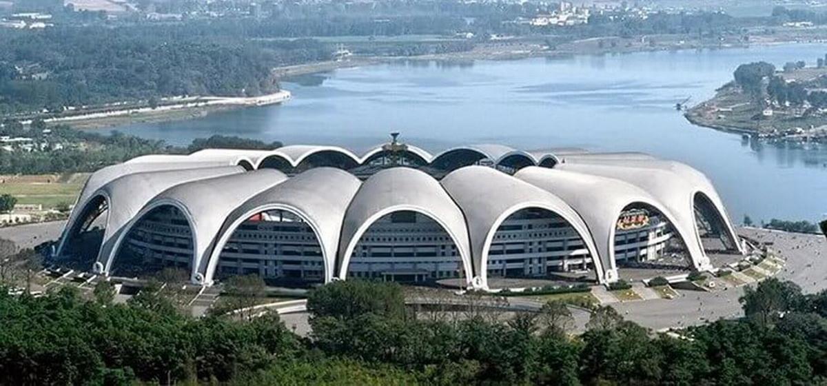 Интересные факты: Сколько тысяч человек вмещает в себя самый большой стадион мира по футболу