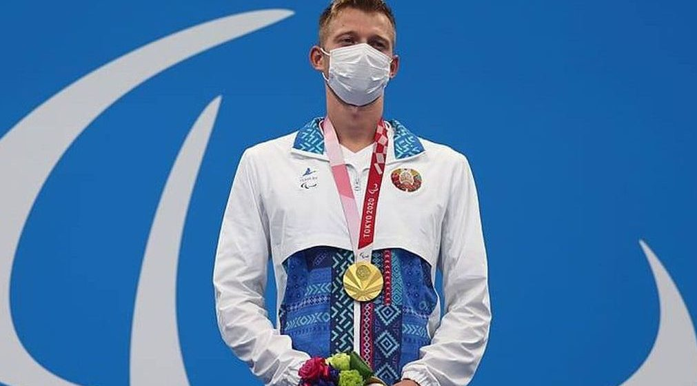 Белорусский пловец Игорь Бокий завоевал третью золотую медаль на Паралимпиаде в Токио