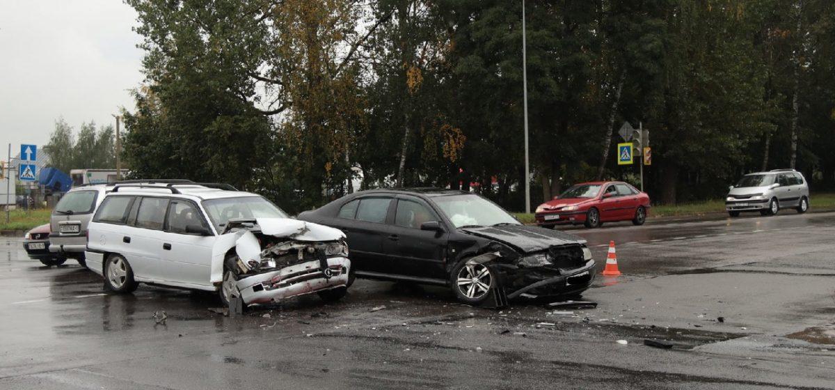 Škoda и Opel столкнулись в Барановичах