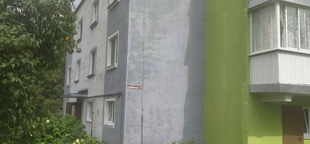 «После ремонта ситуация только ухудшилась». Как жительница Барановичского района три года «воюет» с ЖКХ из-за протекающей крыши