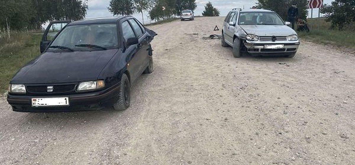 Две легковушки столкнулись возле Барановичей. Фотофакт