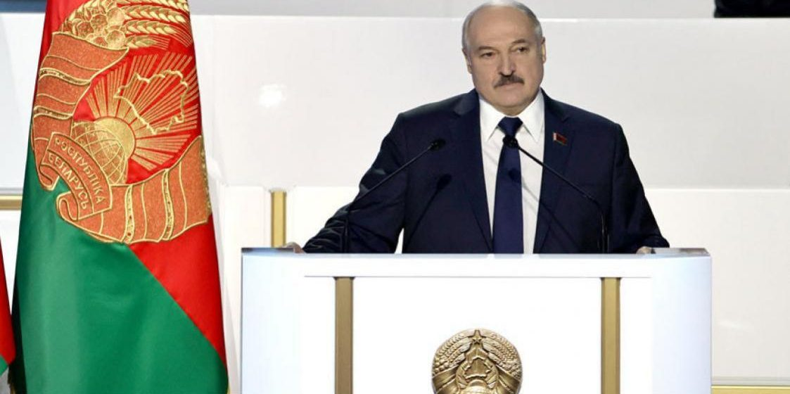 Класковский: «Лукашенко тянет с транзитом власти, не хочет урезать полномочия»