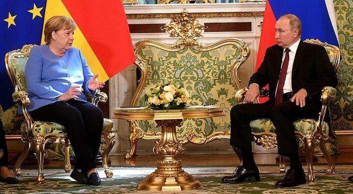 Меркель и Путин обсудили белорусский вопрос