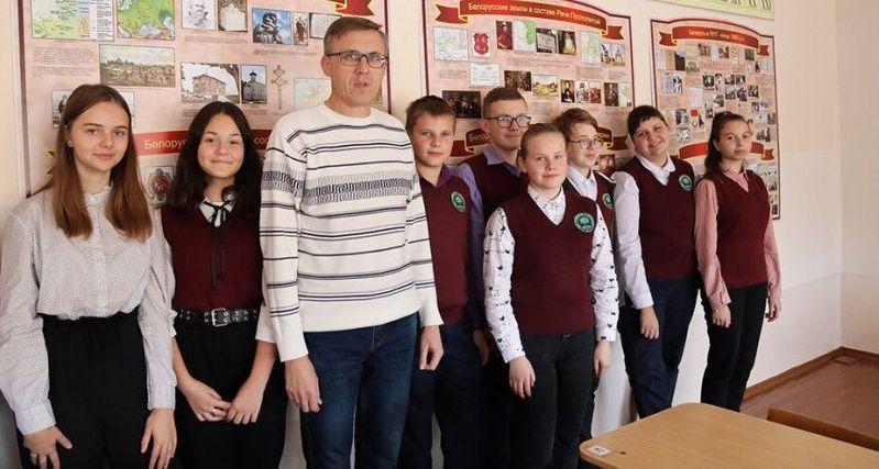 Учителю из Сморгони, который показал старшеклассникам видео про Конституцию, дали полтора года колонии