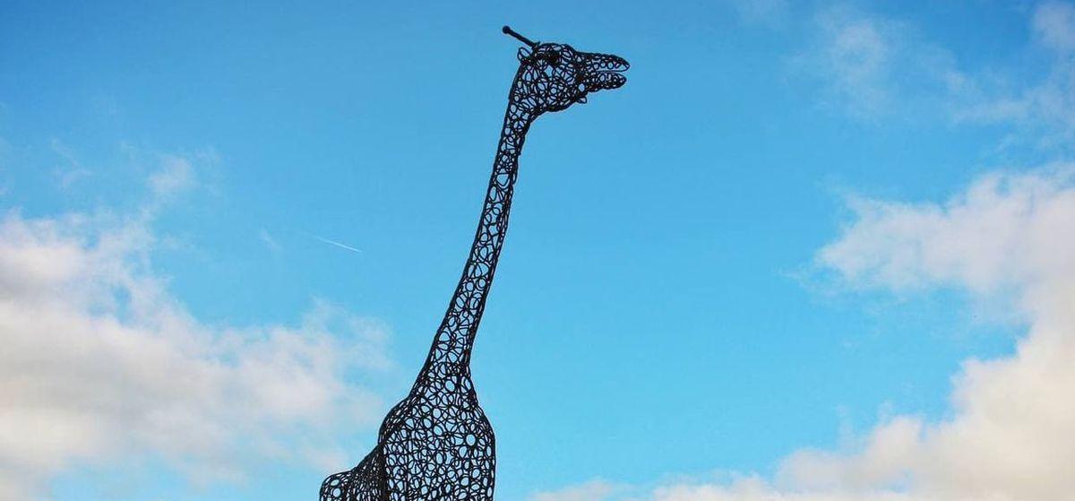 Новая кованая скульптура появилась в Барановичах. Спойлер: это не паровоз