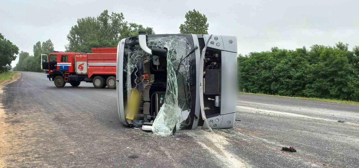 Что известно о состоянии пассажиров из перевернувшегося автобуса под Барановичами