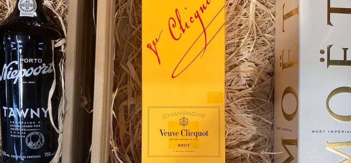 Самое известное шампанское в мире появилось на прилавке барановичского магазина. Сколько оно стоит?