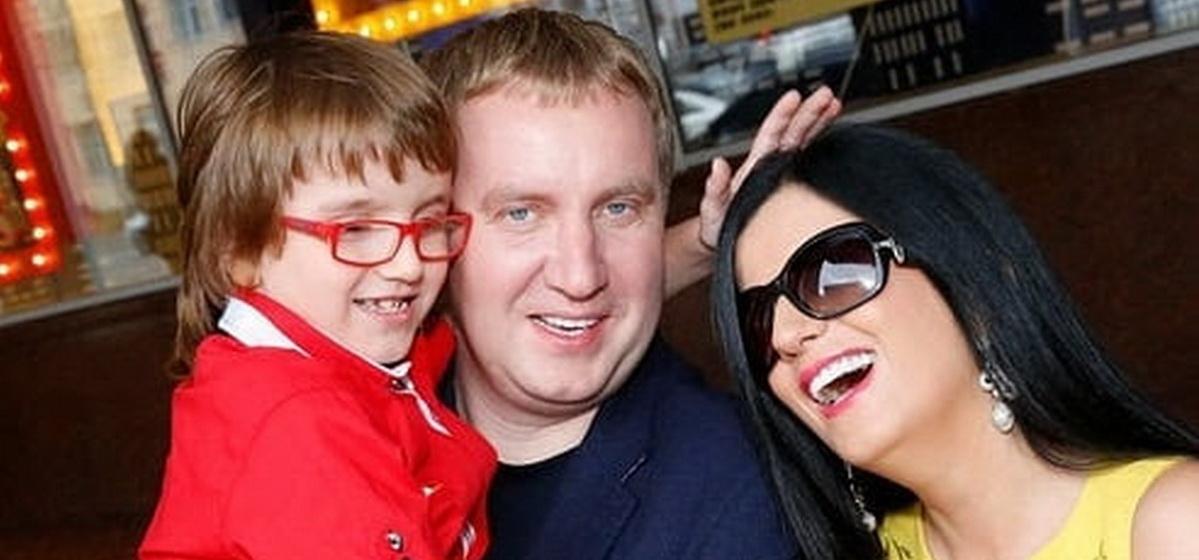 15 лет назад Диана Гурцкая родила отпростого адвоката. Как сейчас выглядит сын иунаследовалли слепоту
