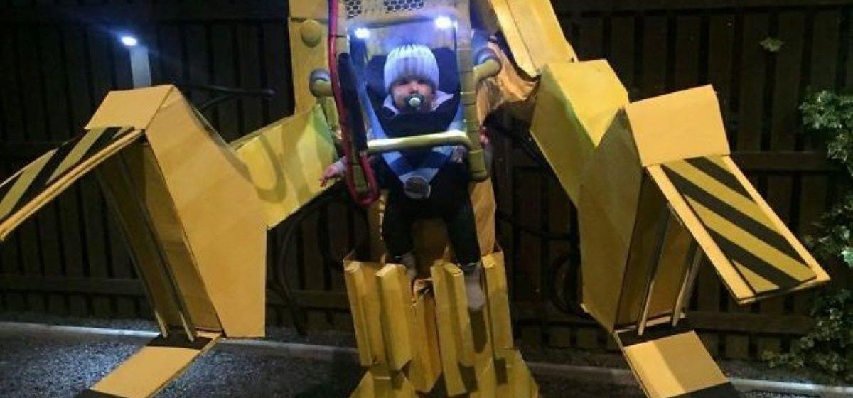 Гигантский ленивец, робот и огурчик Рик. Подборка невероятных и оригинальных костюмов на Хэллоуин