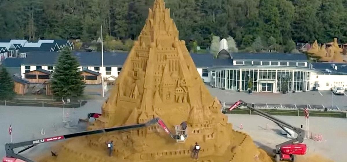 Интересные факты. Построен самый высокий в мире замок из песка