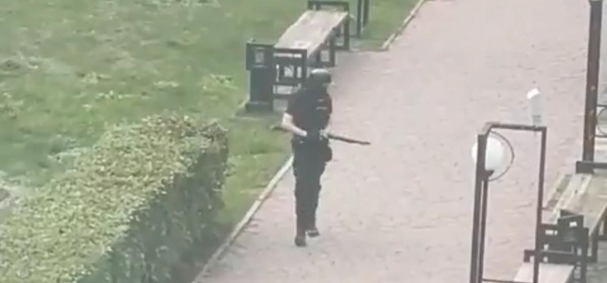 Студенту, открывшему стрельбу в Пермском университете, ампутировали левую ногу до колена