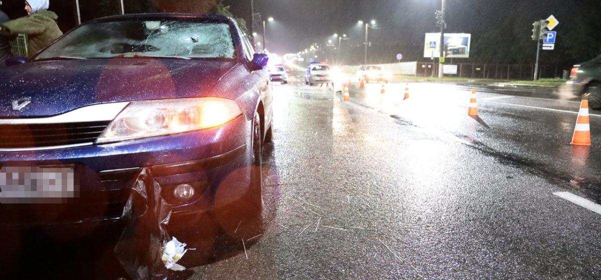 Автомобиль Renault сбил мужчину в Барановичах. Пострадавшего увезла скорая